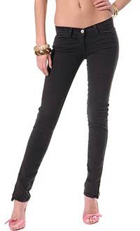 Узкие джинсы для женского гардероба фото