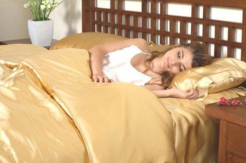 Шелковое постельное белье фото