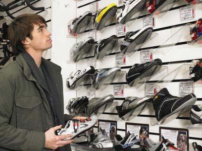 Модная и стильная обувь для мужчин 2011 фото