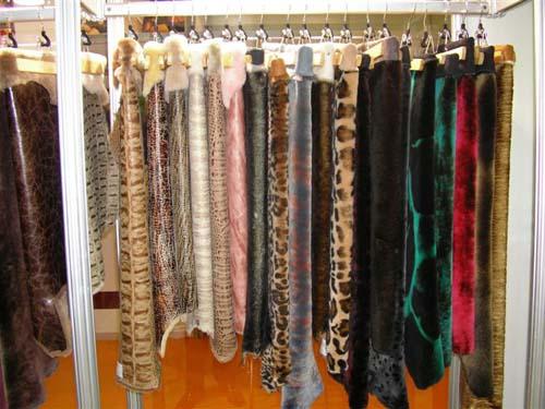 С чем носить кожаную женскую одежду фото