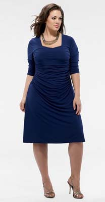 Вечерние коктейльные мини-платья 2011 для полных женщин фото