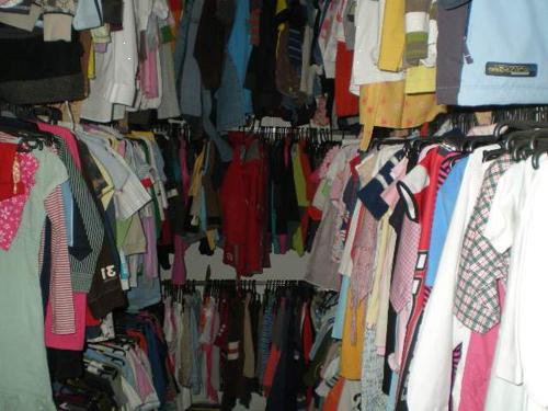 Какой одеждой выгодно торговать в кризис фото