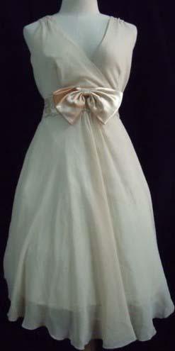 Свадебное платье в стиле 50-х годов из шифона