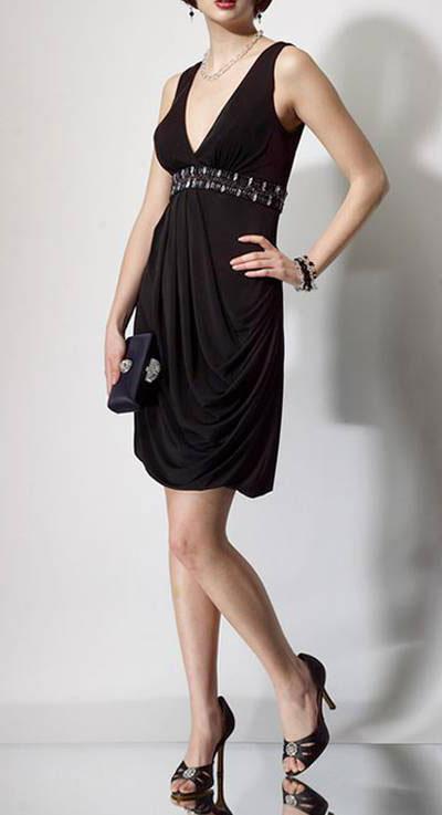 Модель черного платья от Alyce Designs фото