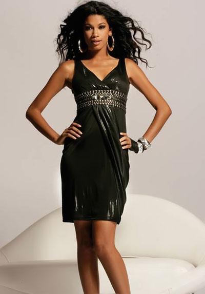 Короткое черное платье с металлическим блеском от Jovani фото