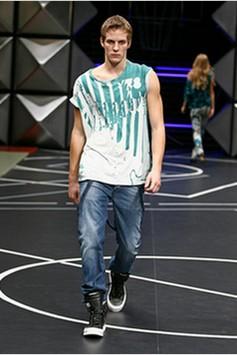 Мужская одежда и джинсы Дизель фото