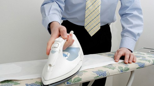 Как правильно гладить мужскую рубашку и рукава фото и видео