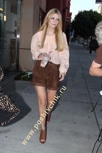 Миша Бартон в женских шортах с завышенной талией фото