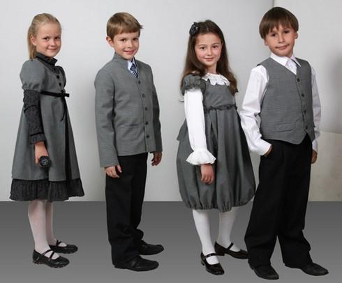 Одежда для школы в серых тонах фото
