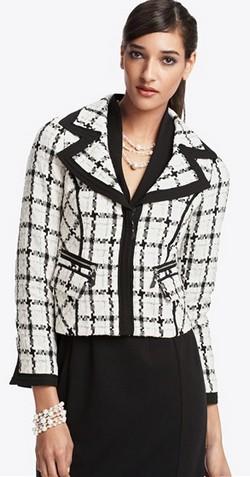Отличный черно-белый пиджак в клетку фото