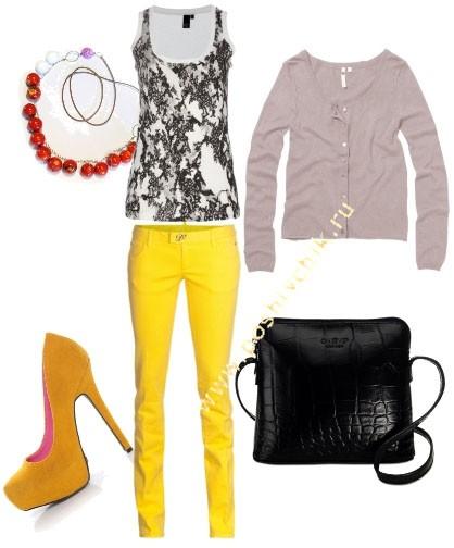 С чем носить женские цветные джинсы ярко-желтые фото