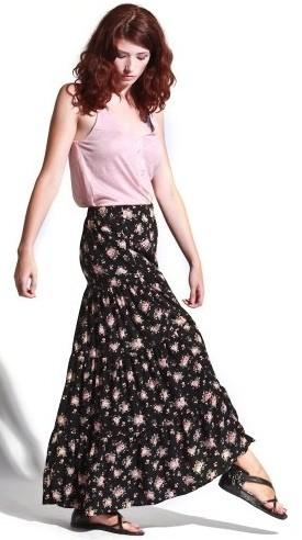 С чем носить длинную юбку модного цветочного принта фото