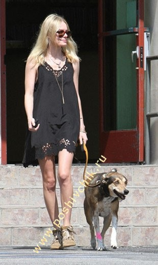 Kate Bosworth в кроссовках на танкетке от Isabel Marrant