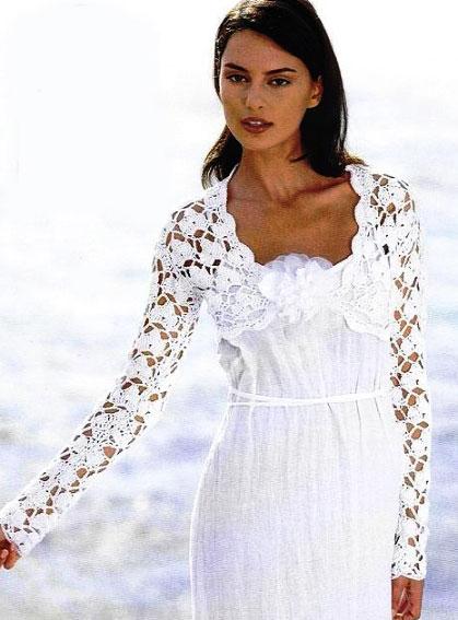 Ажурное болеро с длинными рукавами белого цвета