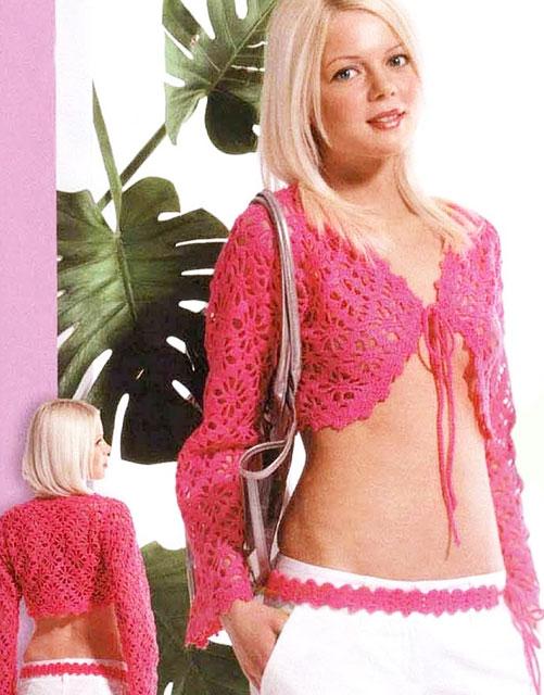Розовое короткое болеро на завязках узором «жуки»