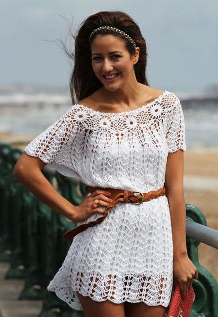 Пляжное платье с цветочной кокеткой