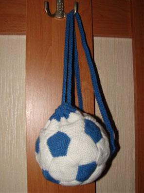 С синим цветом в форме мяча