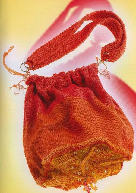Сумочка-мешок с пестрым донышком