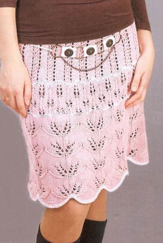 Контраст белого с розовым на юбке