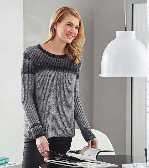 Двухцветный пуловер полупатентной резинкой