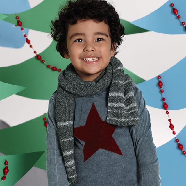 Детский серый шарф с полосками для мальчика
