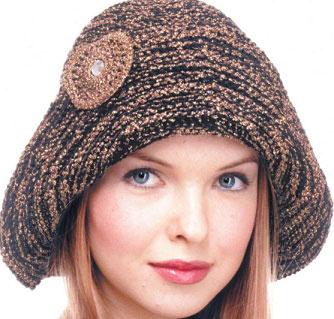 Очаровательная шляпа с брошью