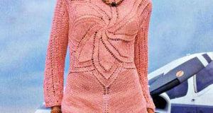 Пуловер с ажурным цветком спереди