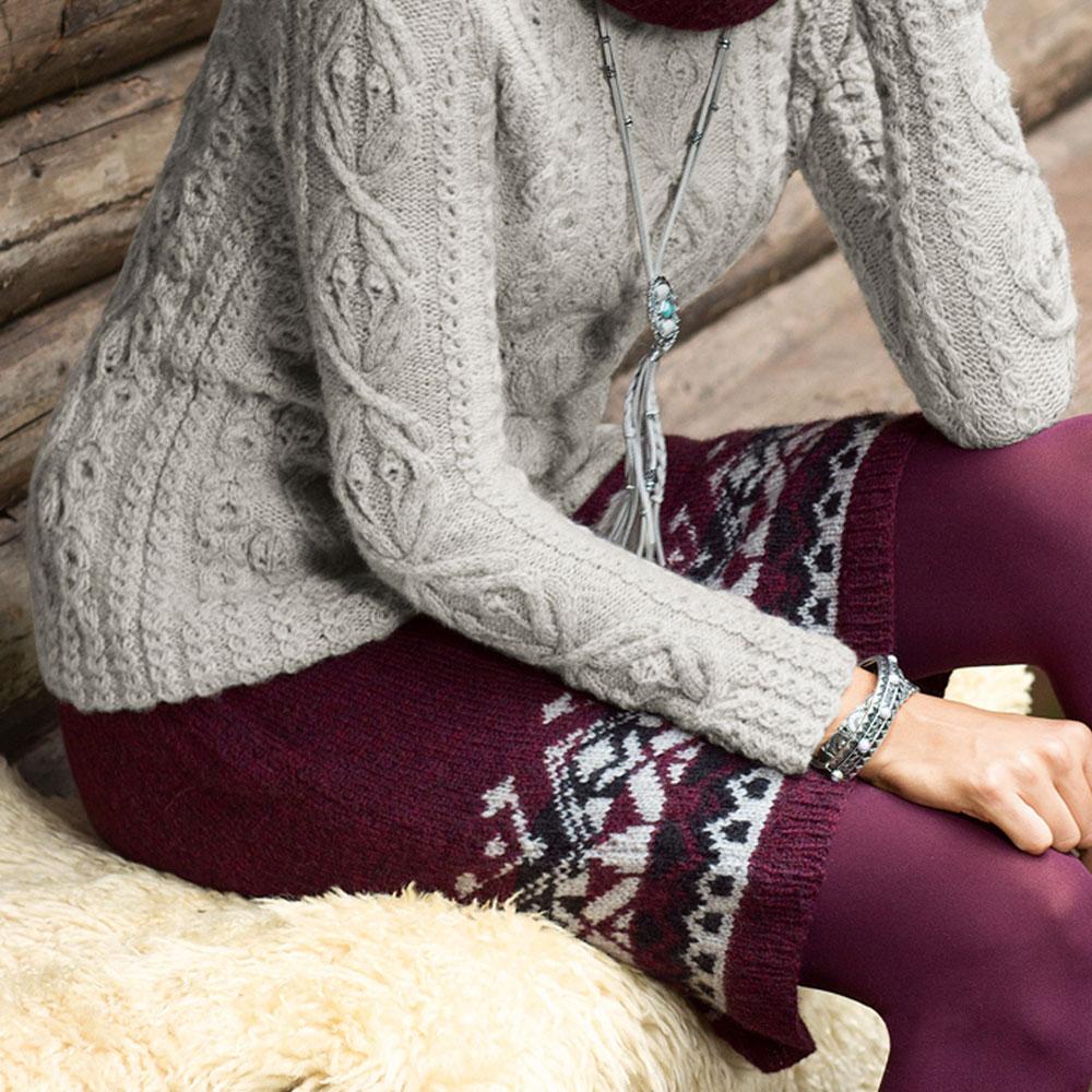 Бордовая юбка с жаккардовым бордюром