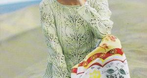 Весенний пуловер фисташкового цвета