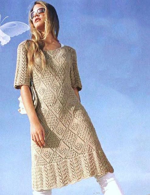 Платье с винтажной каймой и ажурными ромбами