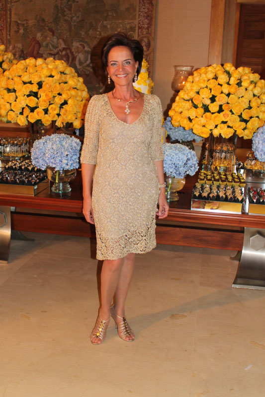 Платье от Джованны Диас в золотом цвете