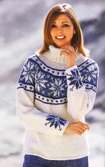 Бело-голубой свитер норвежским узором Роза Сельбу с круглой кокеткой