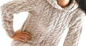 Пуловер с капюшоном из мериносовой шерсти бежевого цвета