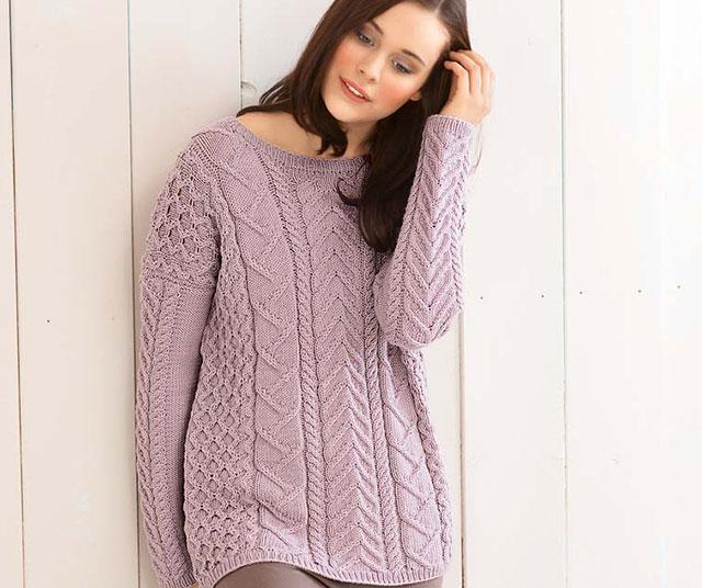 Розовый пуловер прямоугольного покроя с приятным рисунком