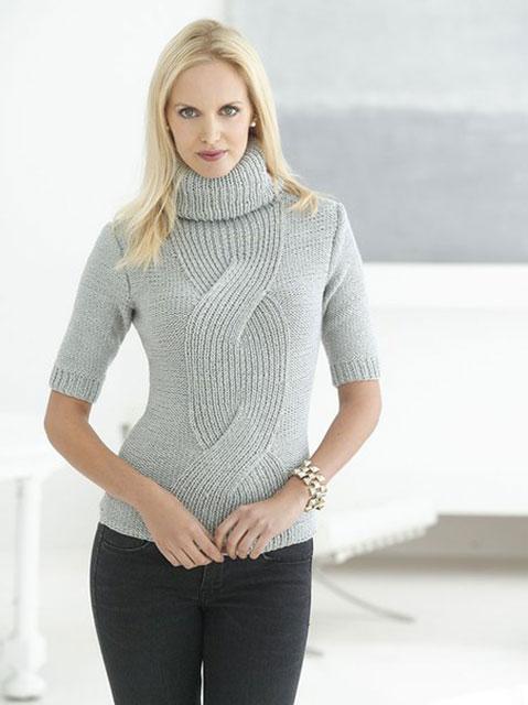 Элегантный свитер с косой по центру