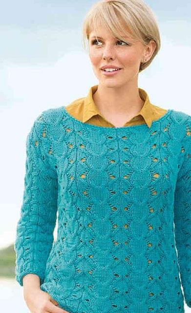 Эффектный пуловер узором из кос в винтажном стиле