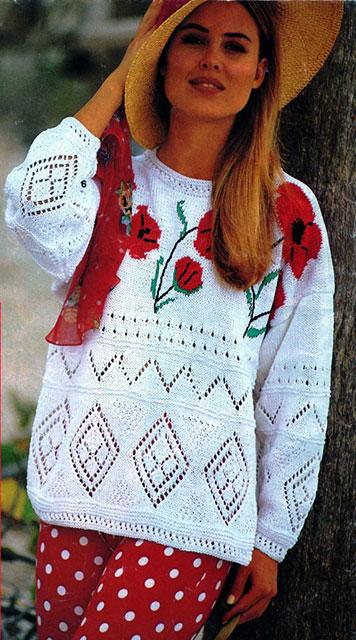 Пуловер с маками и ажурными планками
