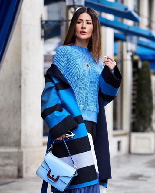 Модное яркое пальто
