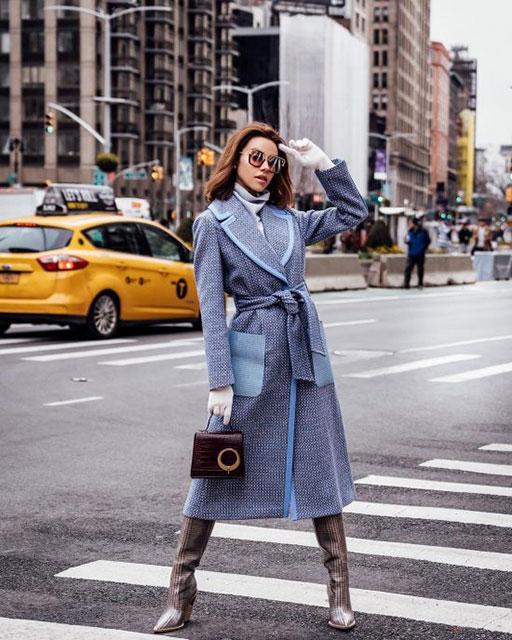 Модное женское пальто-халат