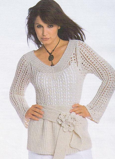 Ажурный пуловер с поясом цвета экрю