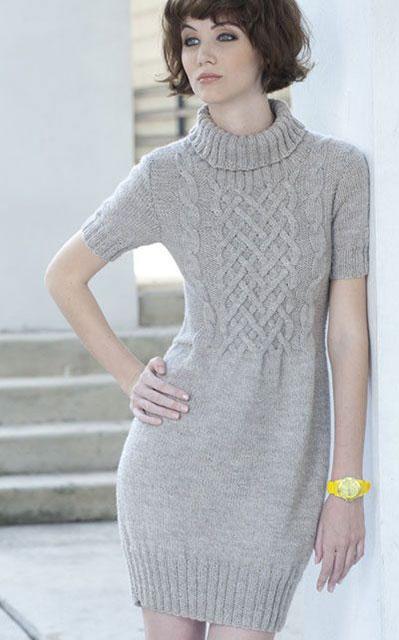 Платье-туника с воротником и коротким рукавом