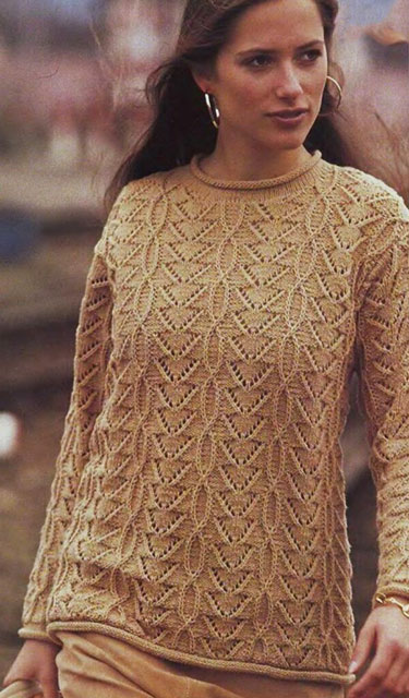 Узорчатый пуловер резным узором