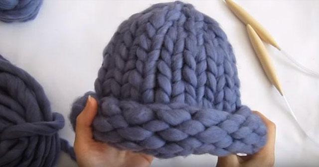 Фото готовой шапки крупно