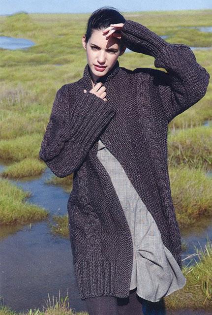 Меланжевое пальто с широкими планками