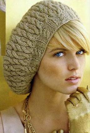 Берет-шапка узором «косы» на круговых спицах