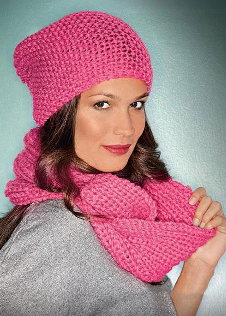 Простая ярко-розовая шапочка из мериносовой шерсти