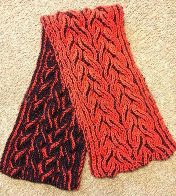Двухцветный шарф бриошь с косами