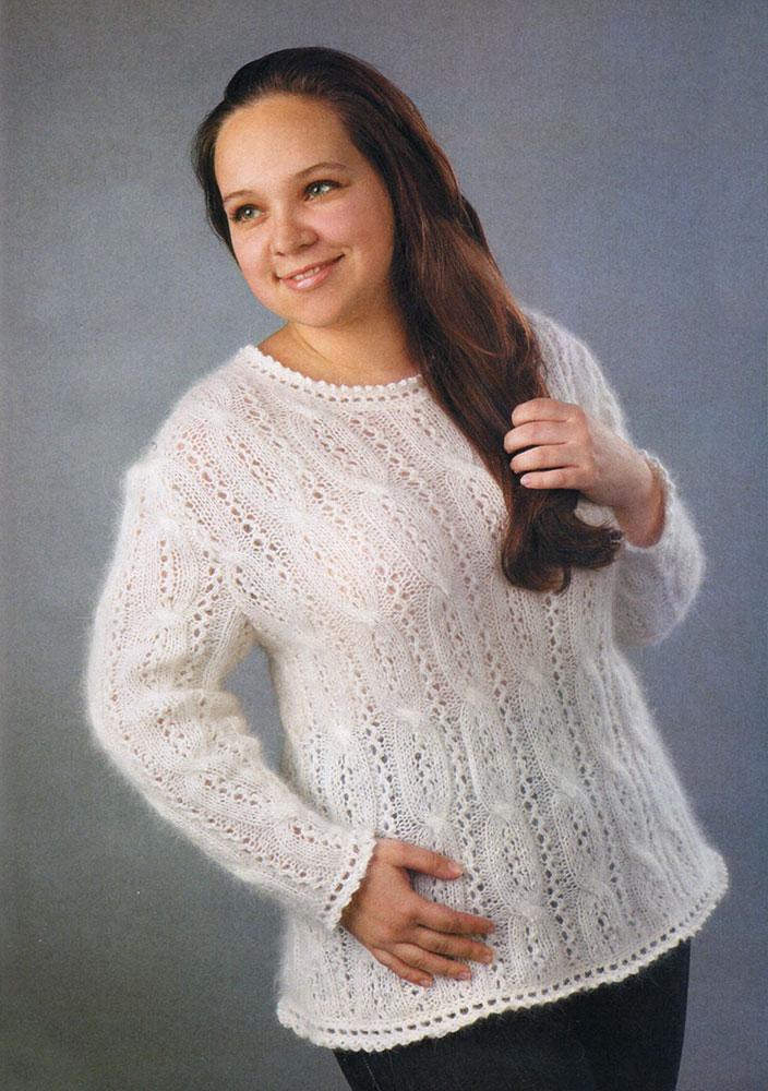 Белый мохеровый пуловер Альпы ажурными косами для полных женщин