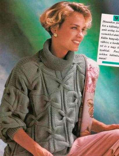 Женский свитер узором бантики с высоким воротником