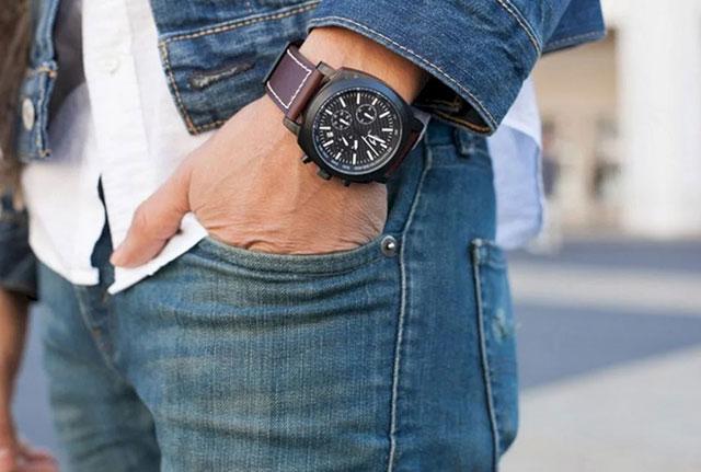 В повседневной жизни носите часы на той руке, где вам удобно